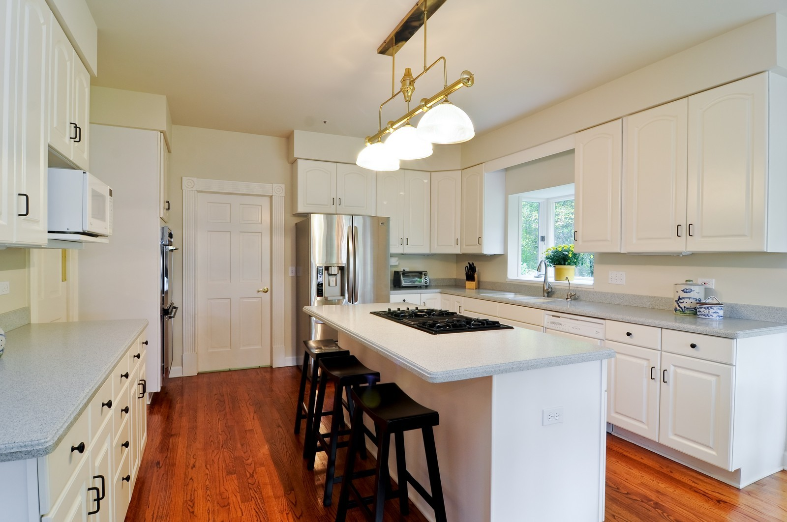 Real Estate Photography - 4736 Wellington, Long Grove, IL, 60047 - Kitchen