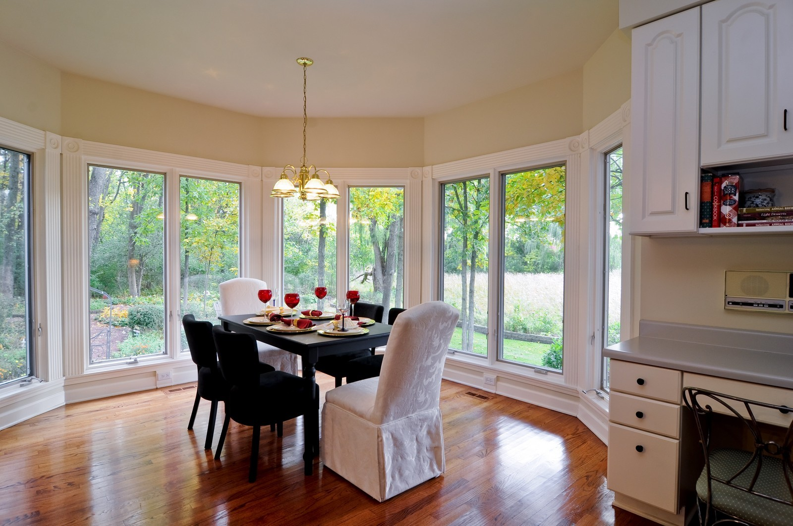 Real Estate Photography - 4736 Wellington, Long Grove, IL, 60047 - Breakfast Nook