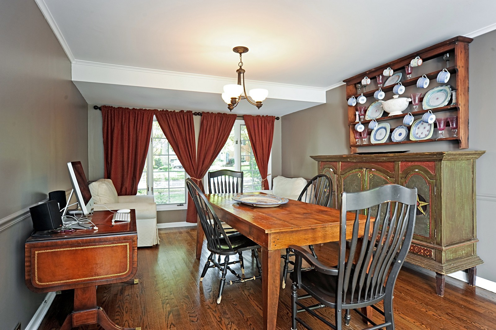 Real Estate Photography - 587 Melody, Highland Park, IL, 60035 - Dining Room