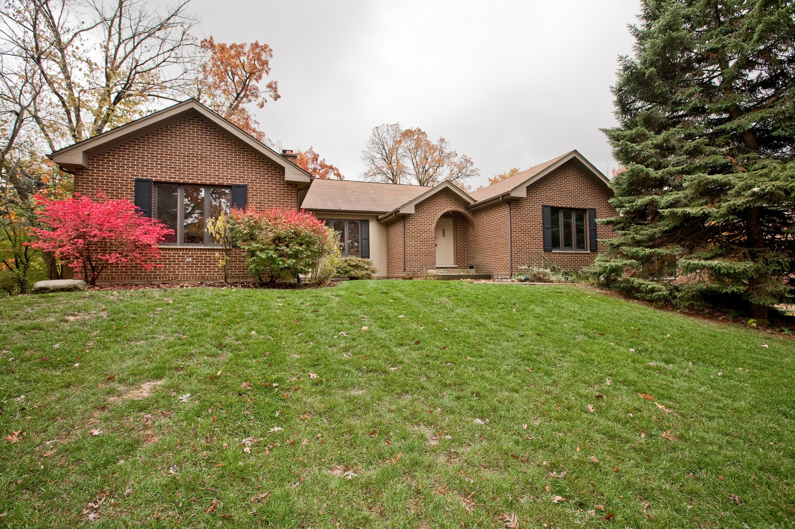 Real Estate Photography - 1831 Elmore, Downers Grove, IL, 60515 - Front View