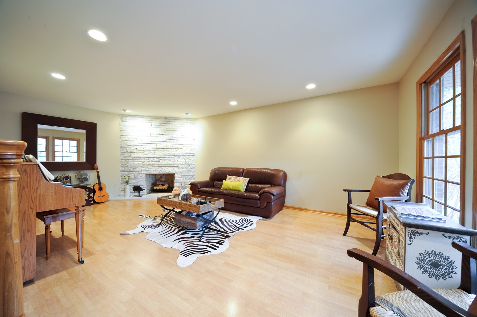 Real Estate Photography - 394 Jefferson, Glencoe, IL, 60022 - Living Room