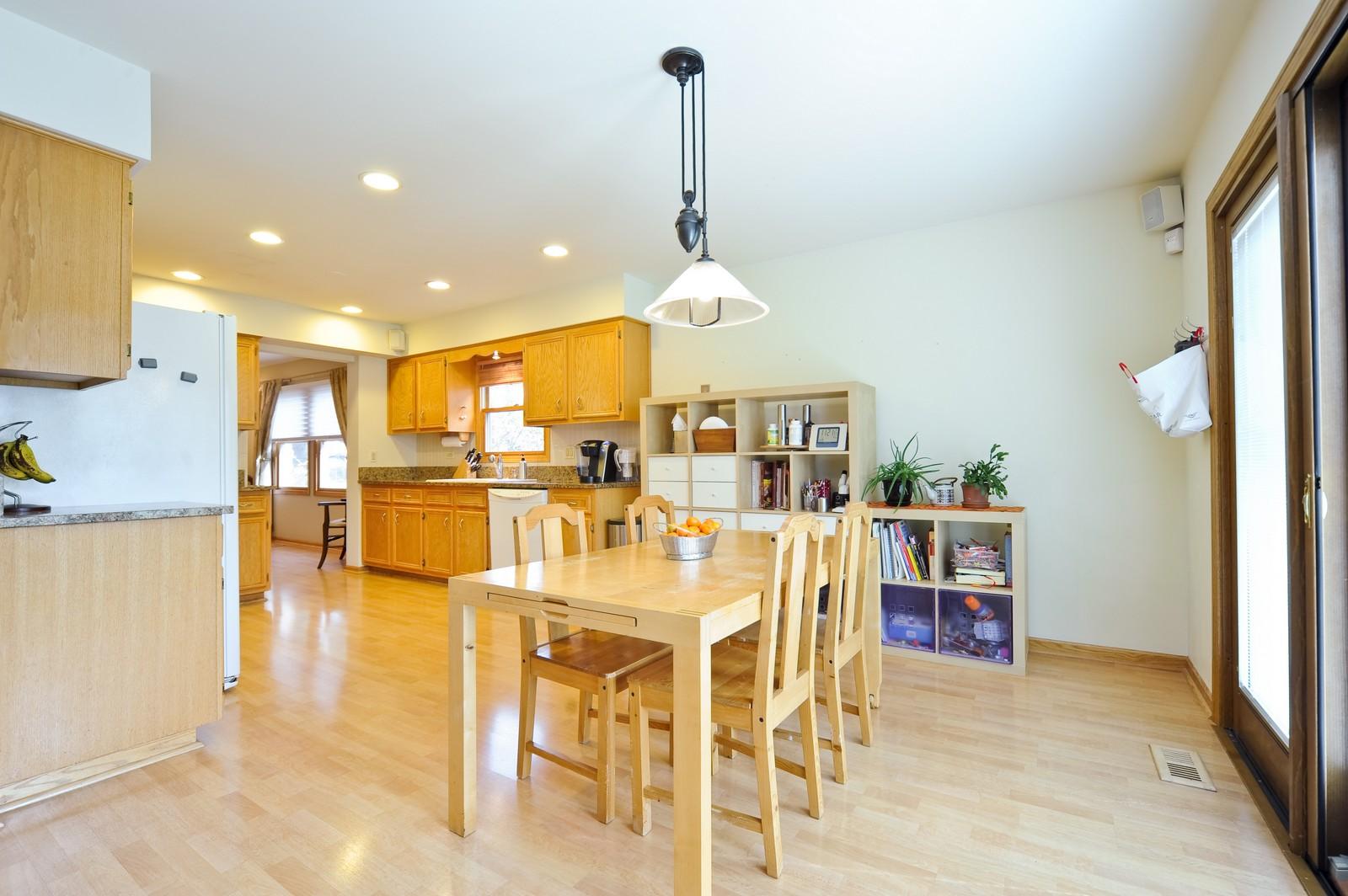 Real Estate Photography - 394 Jefferson, Glencoe, IL, 60022 - Kitchen / Breakfast Room