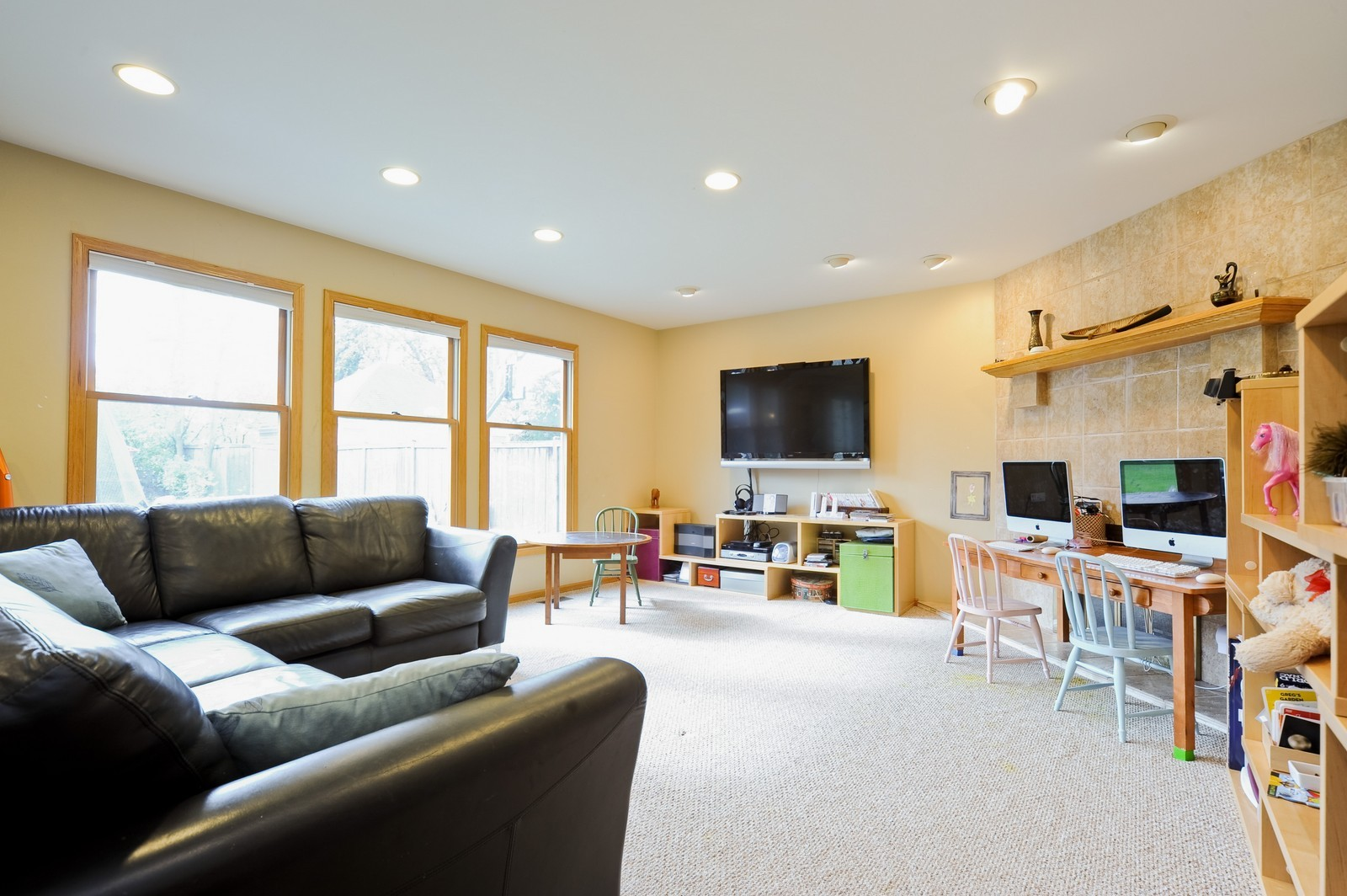 Real Estate Photography - 394 Jefferson, Glencoe, IL, 60022 - Family Room