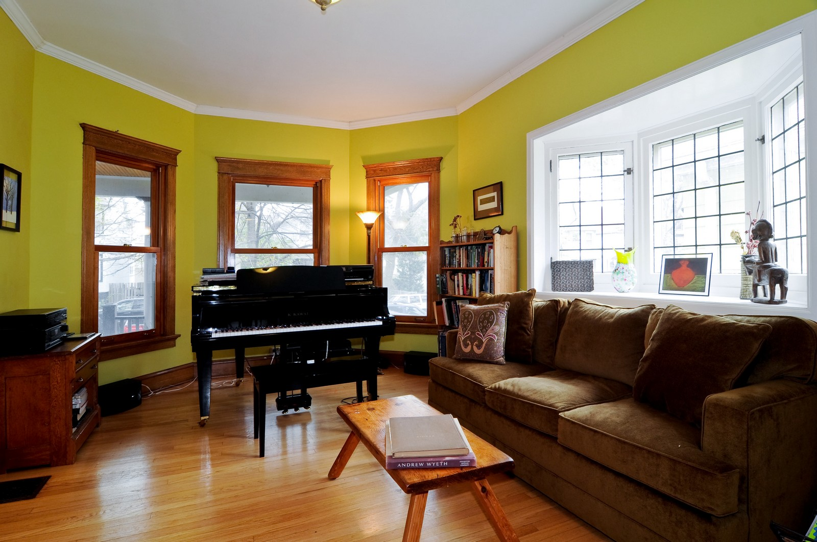 Real Estate Photography - 1531 W Hood, Chicago, IL, 60660 - Living Room