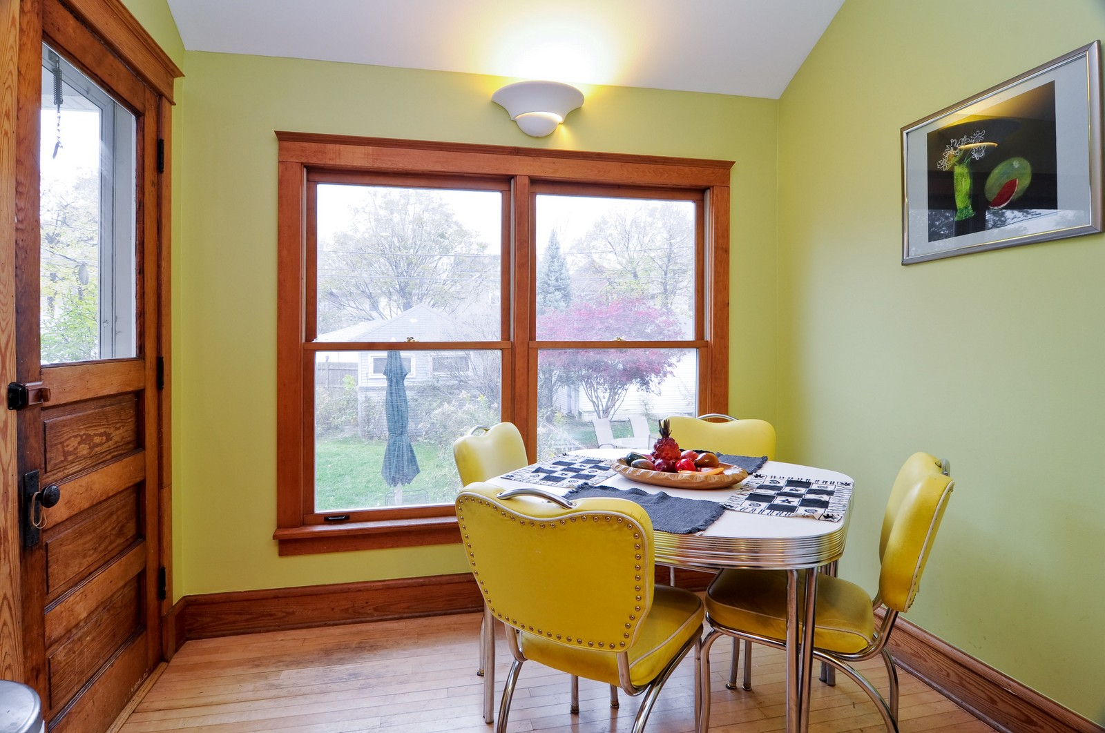 Real Estate Photography - 1531 W Hood, Chicago, IL, 60660 - Kitchen / Breakfast Room