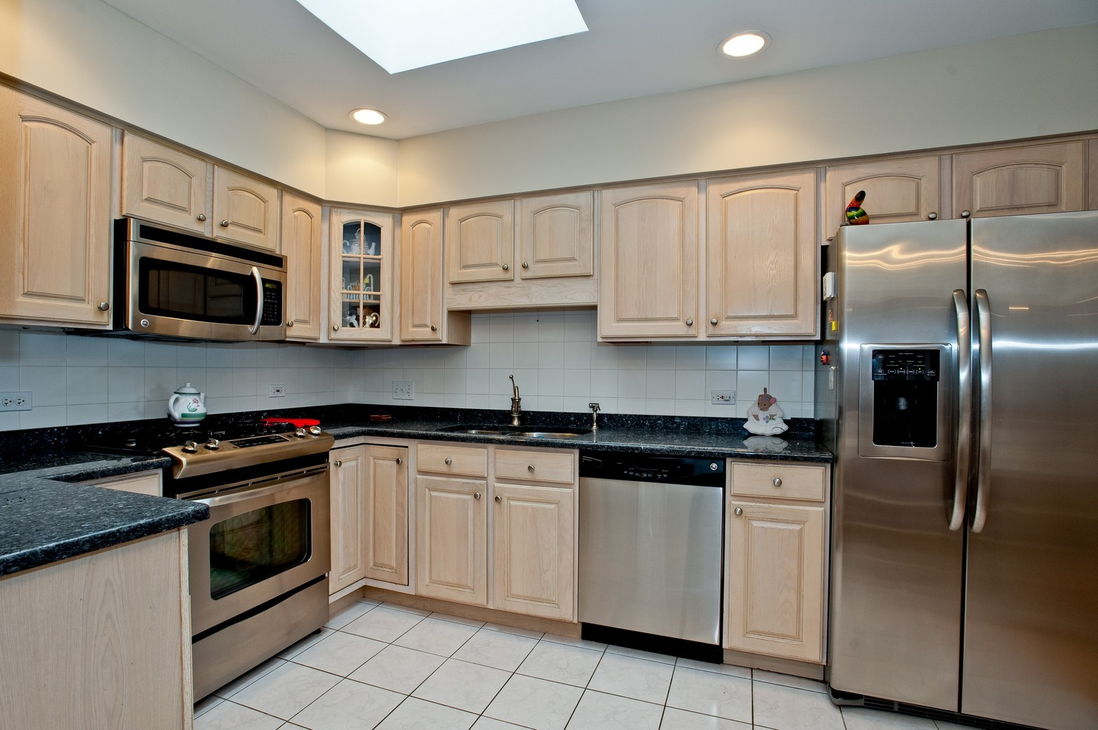 Real Estate Photography - 1700 2nd St, Highland Park, IL, 60035 - Kitchen
