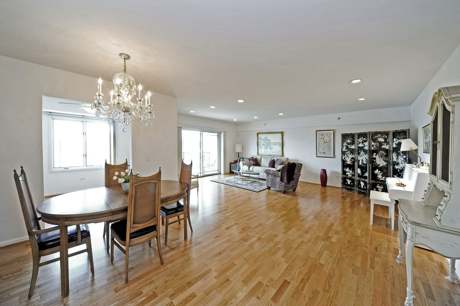 Real Estate Photography - 1700 2nd St, Highland Park, IL, 60035 - Living Room / Dining Room