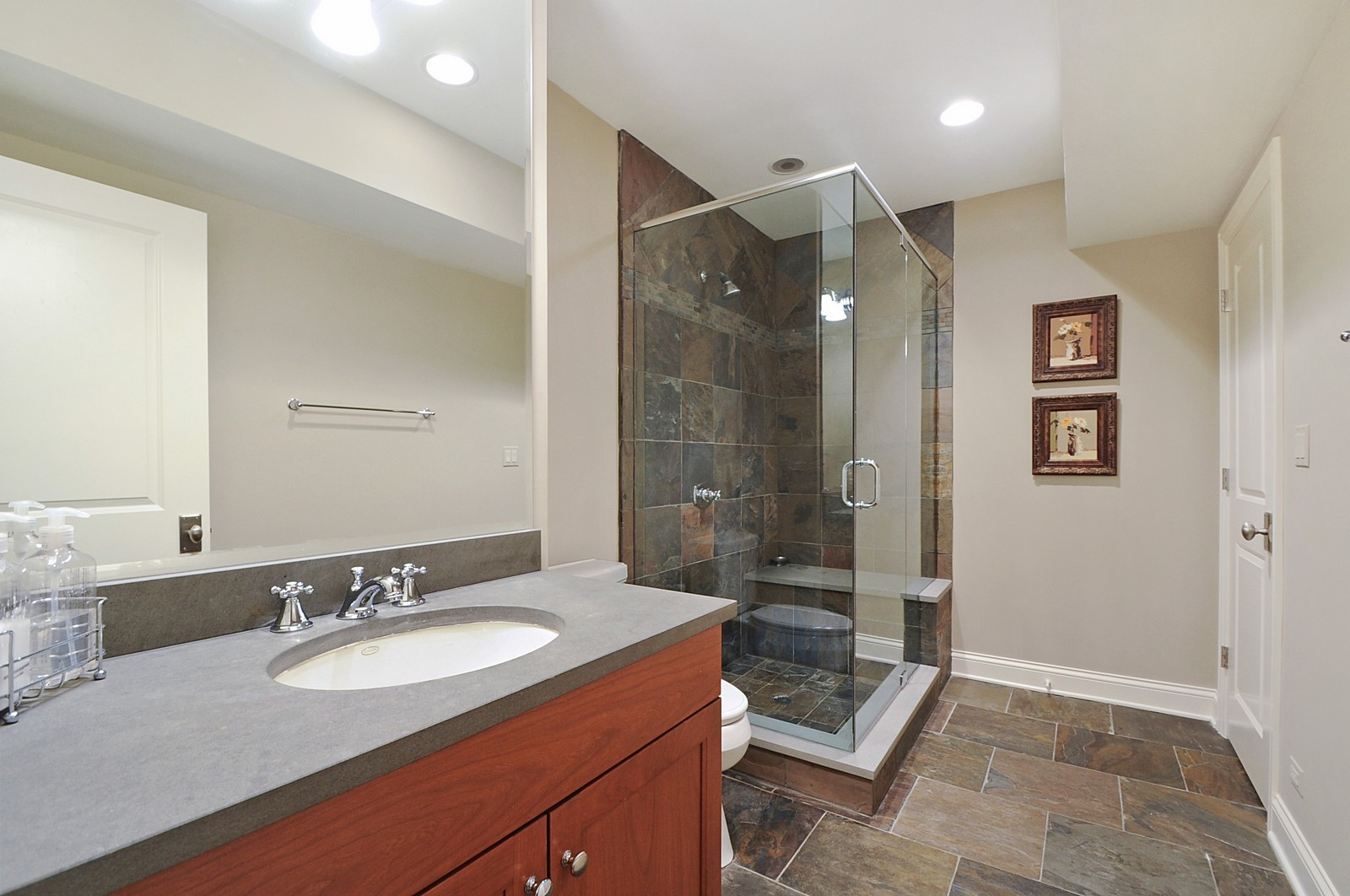 Real Estate Photography - 1789 Elmwood, Highland Park, IL, 60035 - 2nd Bathroom