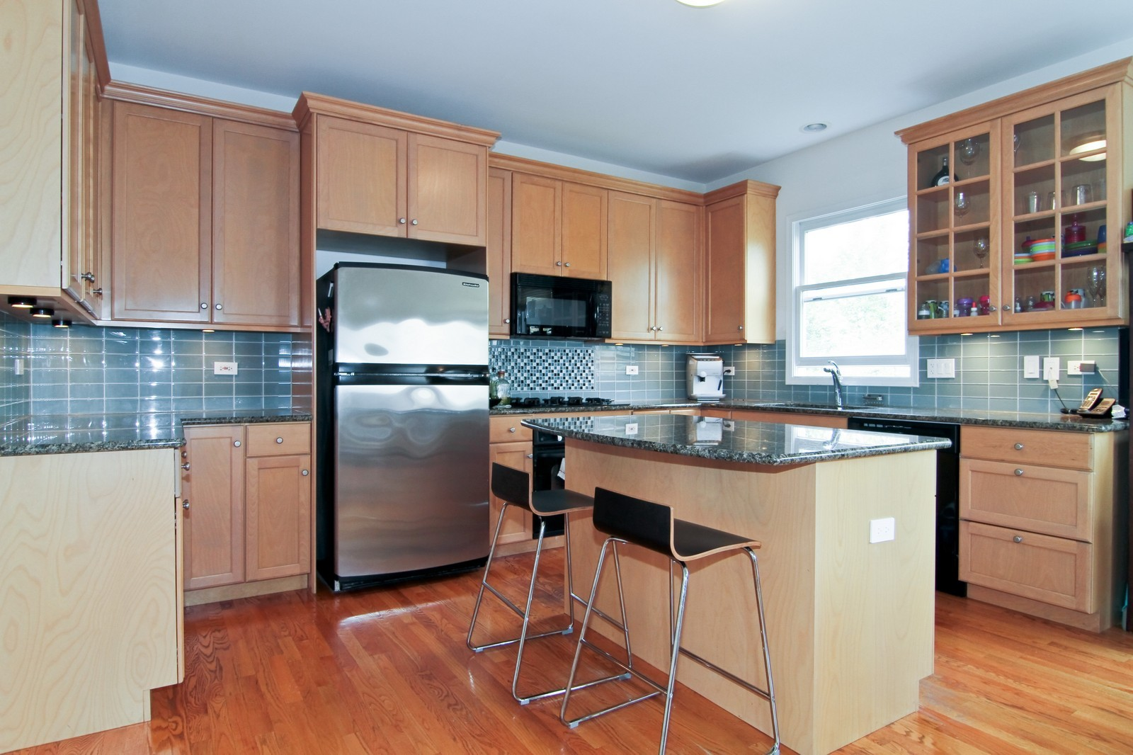 Real Estate Photography - 1N012 Mission Ct, Winfield, IL, 60190 - Kitchen