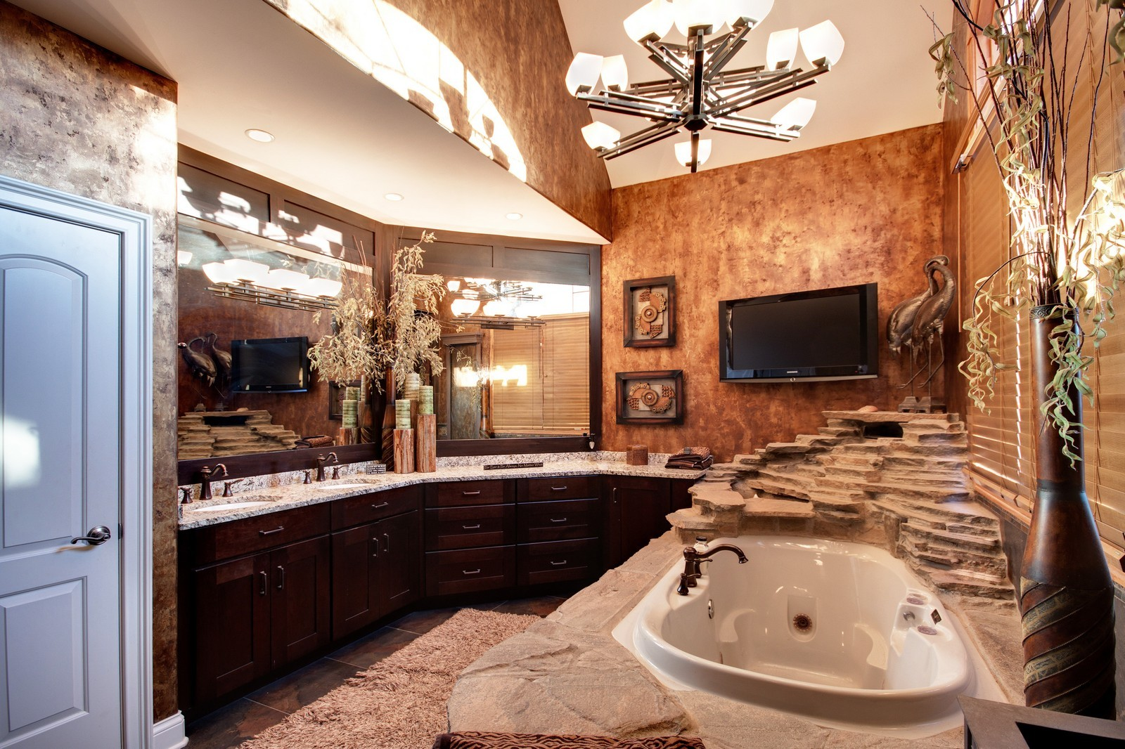 Real Estate Photography - 35w740 Valley View Road, West Dundee, IL, 60118 - Master Bathroom