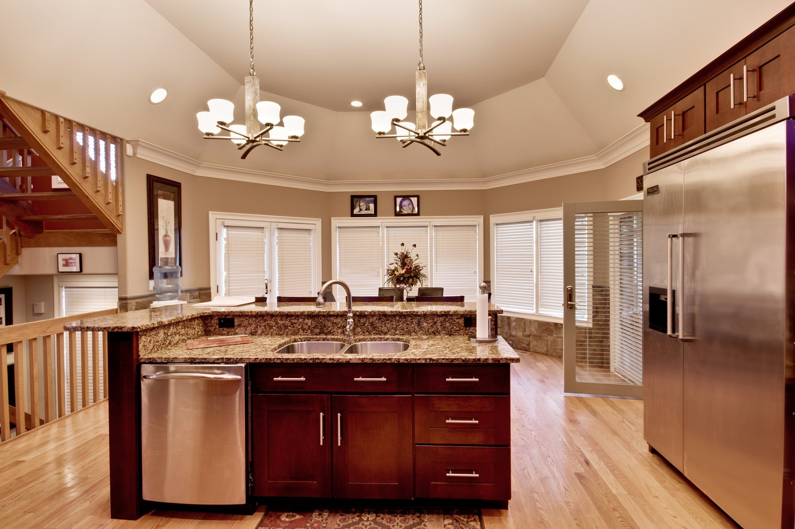 Real Estate Photography - 35w740 Valley View Road, West Dundee, IL, 60118 - Kitchen