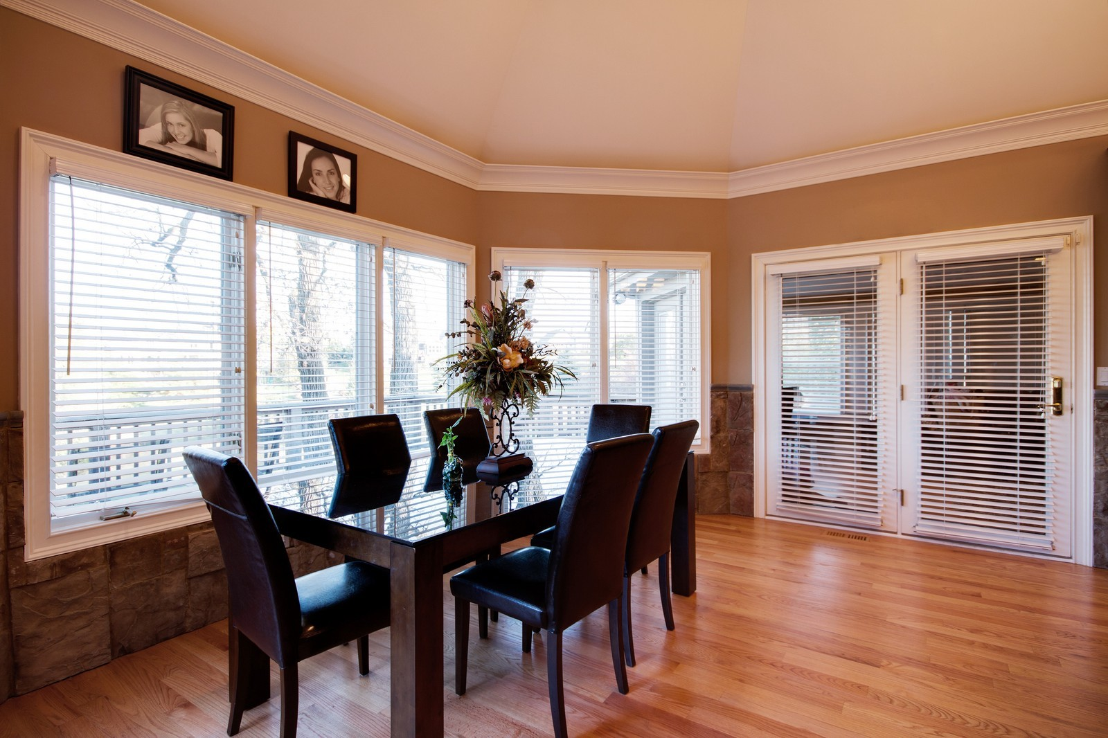 Real Estate Photography - 35w740 Valley View Road, West Dundee, IL, 60118 - Dining Room