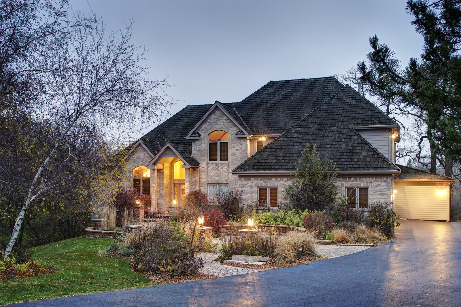 Real Estate Photography - 35w740 Valley View Road, West Dundee, IL, 60118 - Front View
