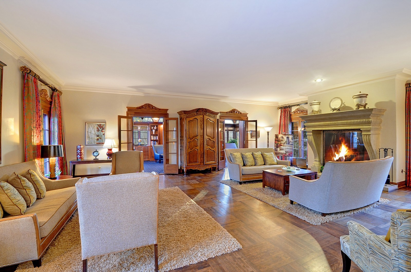 Real Estate Photography - 1000 Illinois, Lake Forest, IL, 60045 - Living Room