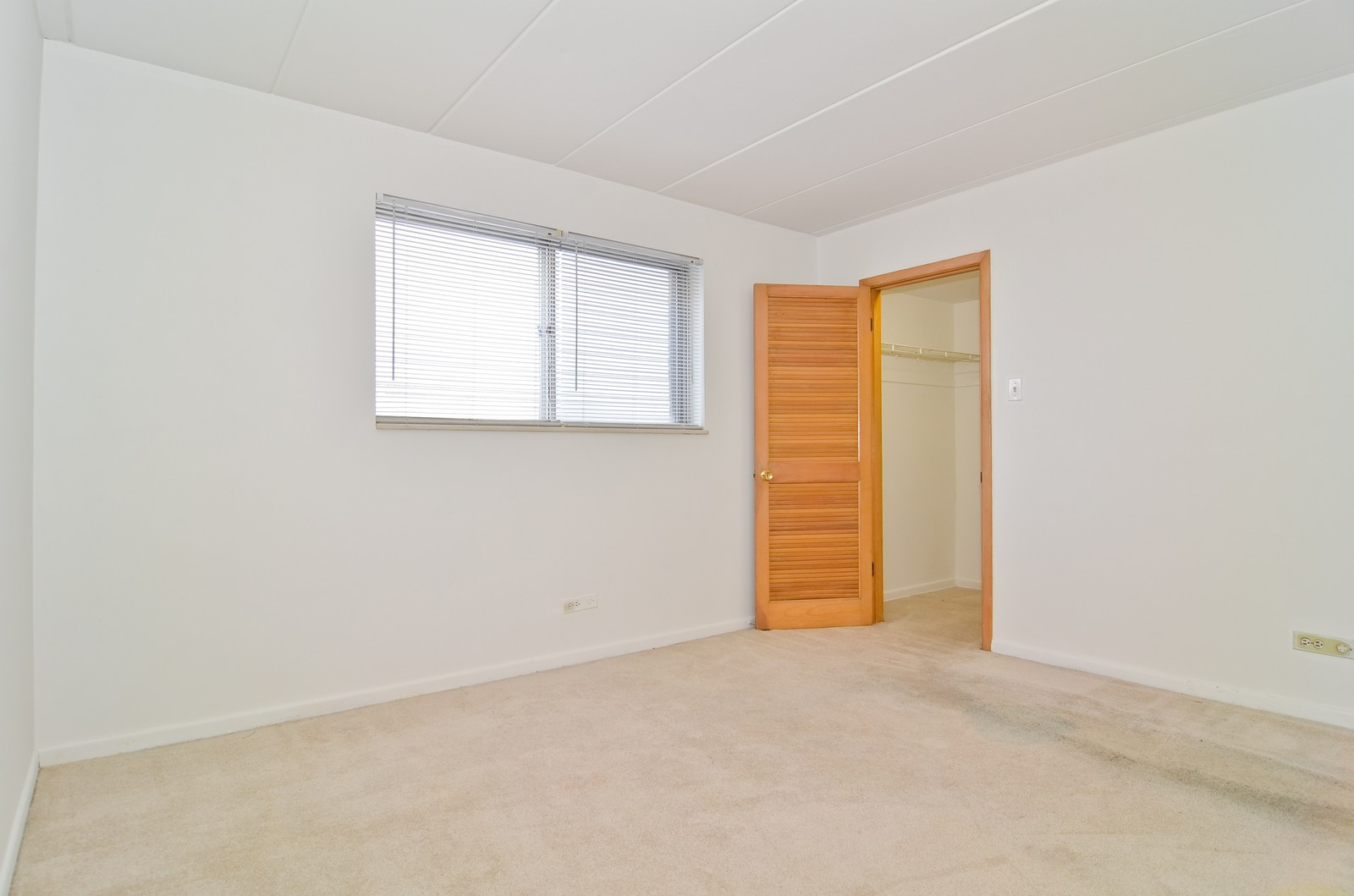 Real Estate Photography - 7457 N Sheridan Rd, Unit 3B, Chicago, IL, 60626 - 2nd Bedroom