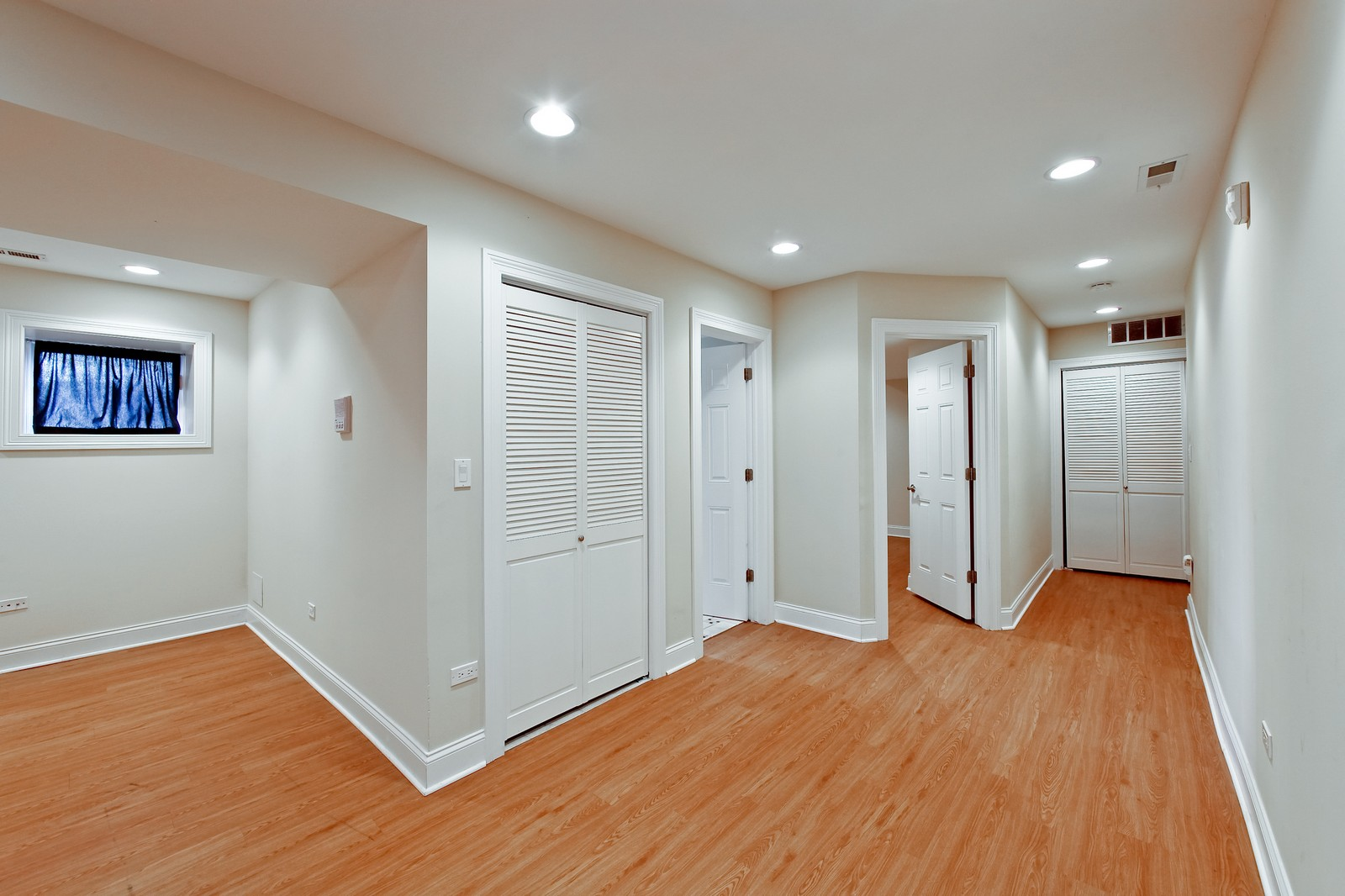 Real Estate Photography - 942 N Fairfield, Unit 1W, Chicago, IL, 60622 - Lower Level