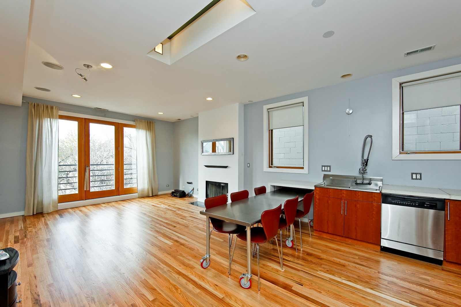 Real Estate Photography - 1017 N Wood, Unit 3N, Chicago, IL, 60622 - Living Room / Dining Room