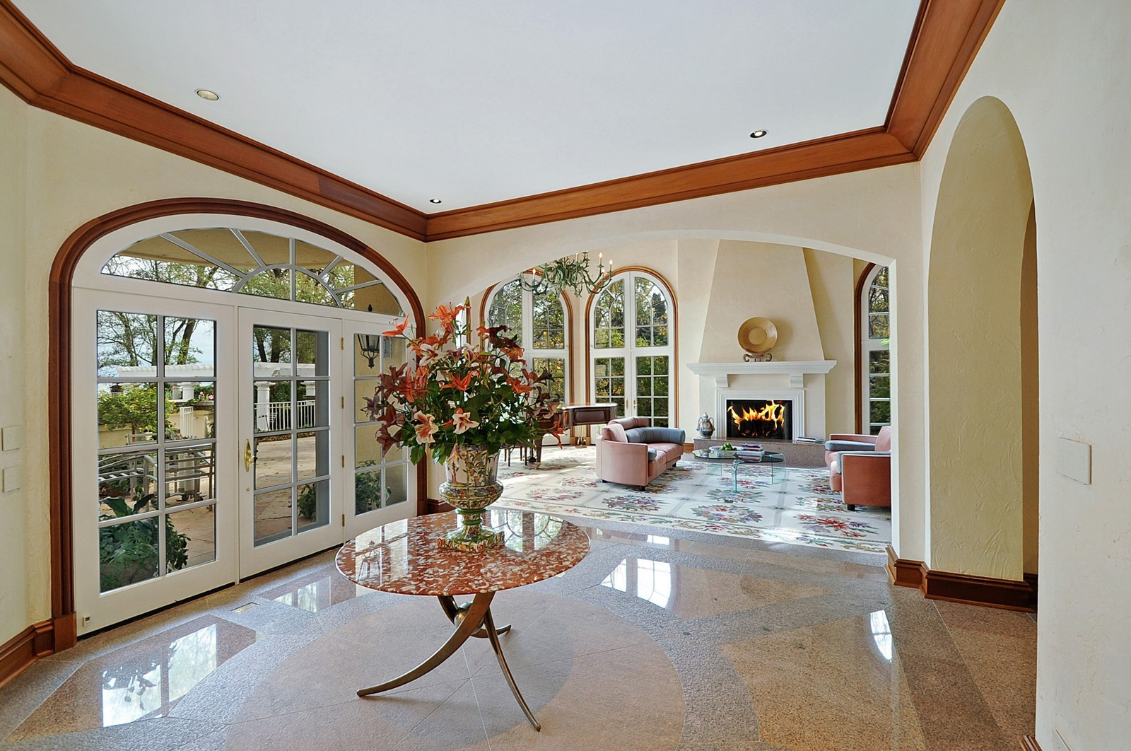 Real Estate Photography - 973 Sheridan Rd, Winnetka, IL, 60093 - Foyer