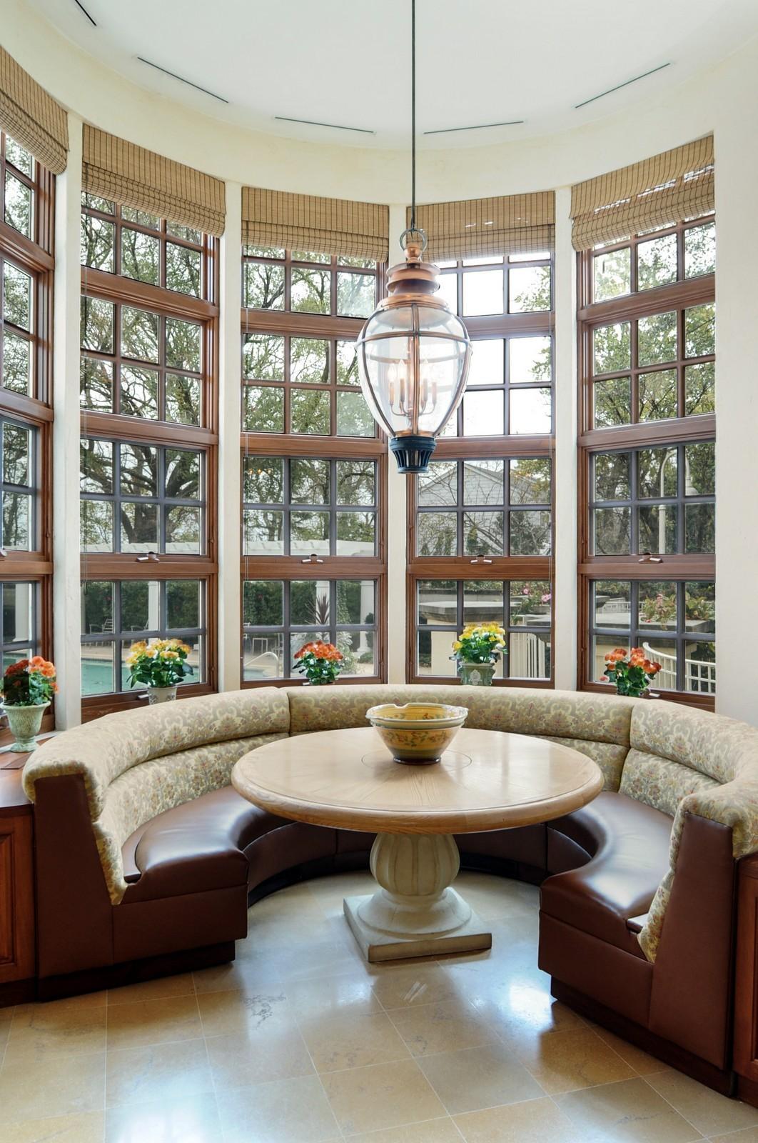 Real Estate Photography - 973 Sheridan Rd, Winnetka, IL, 60093 - Breakfast Room