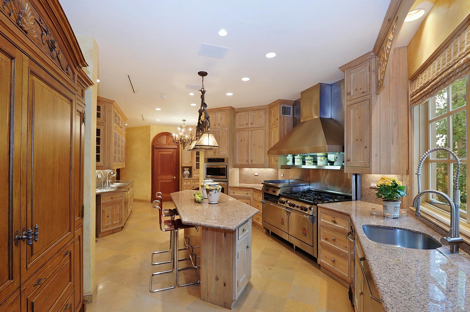 Real Estate Photography - 973 Sheridan Rd, Winnetka, IL, 60093 - Kitchen