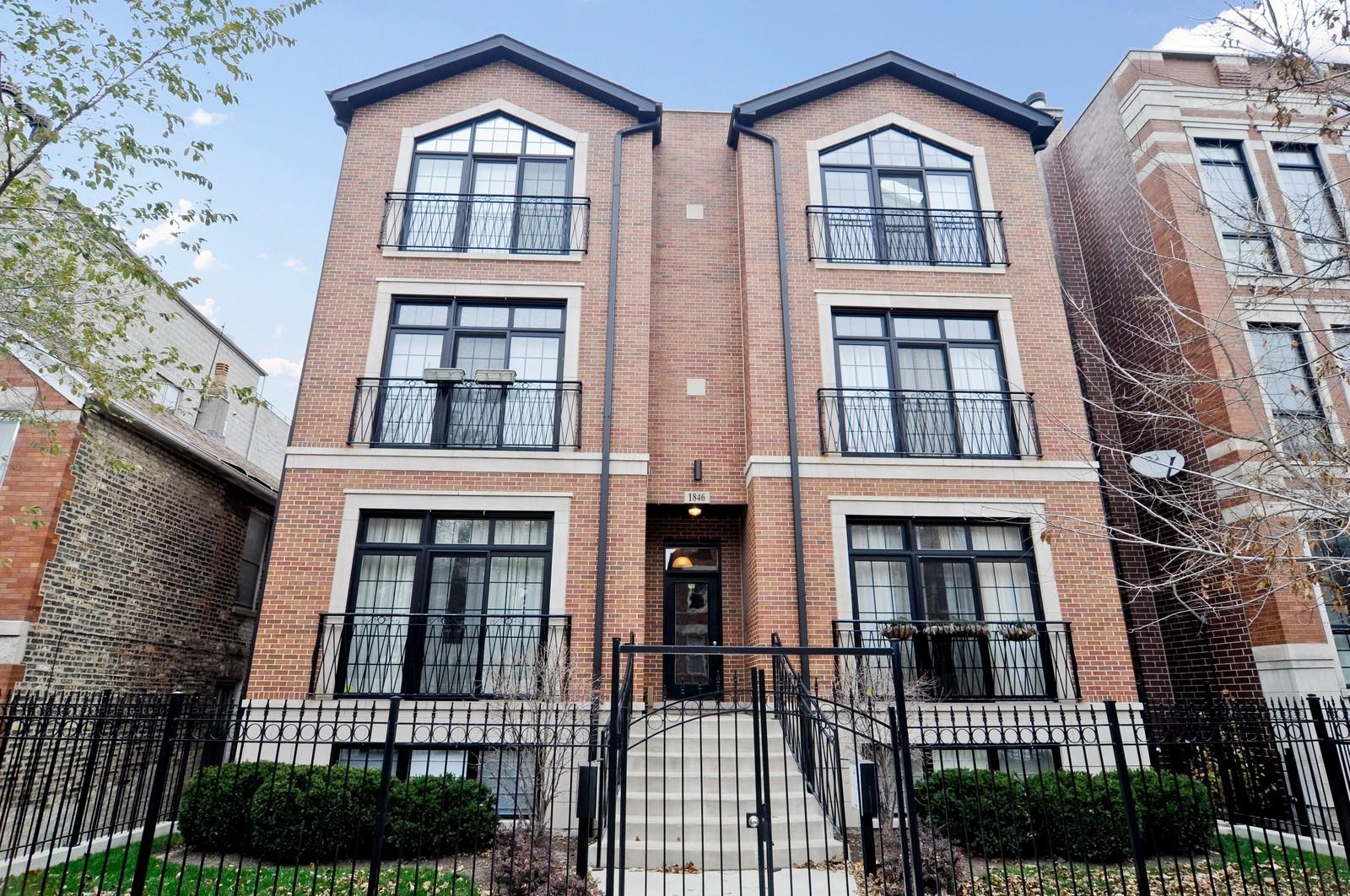 Real Estate Photography - 1846 W Armitage, Unit 2E, Chicago, IL, 60622 - Front View