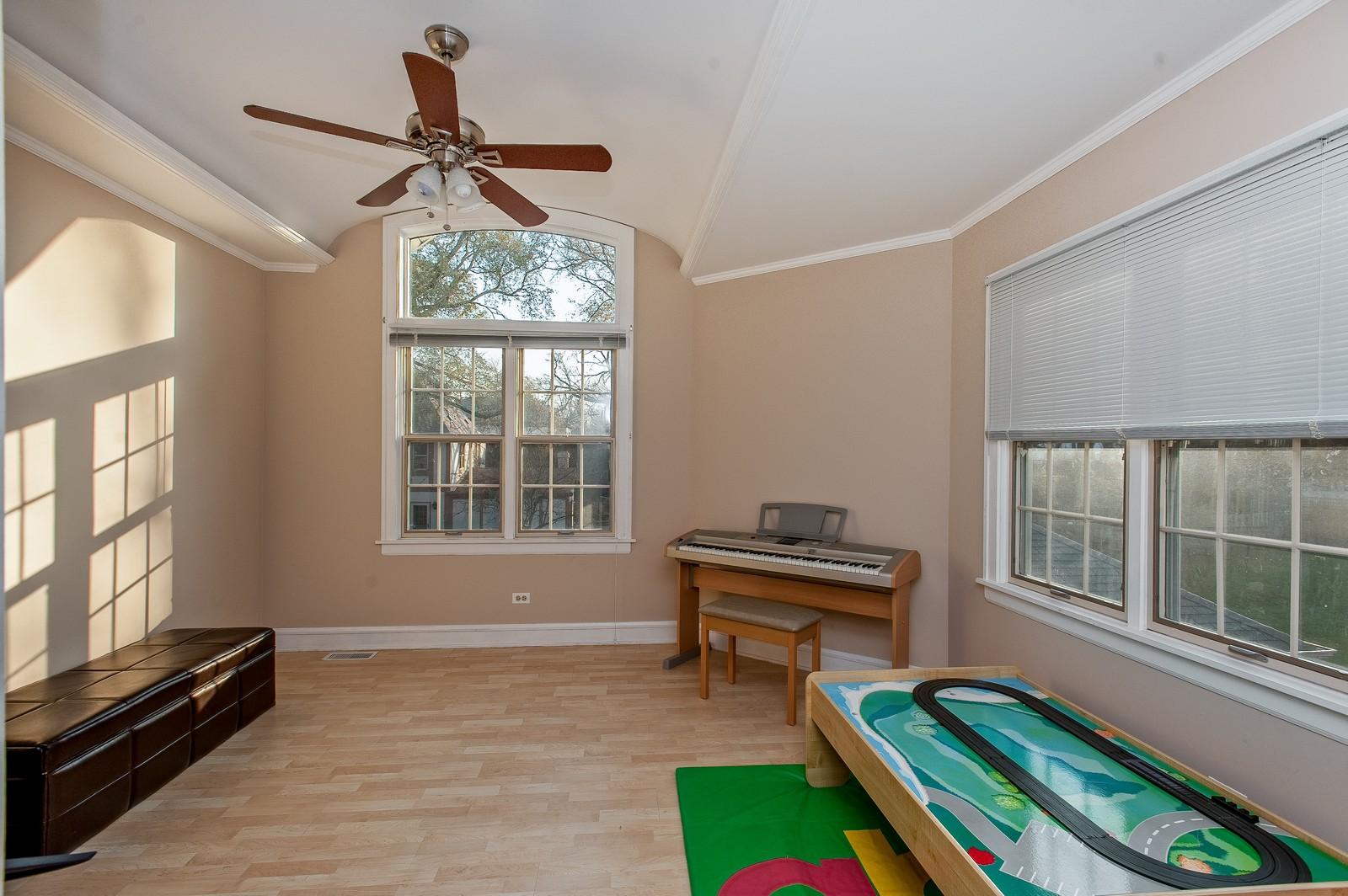 Real Estate Photography - 556 Winnetka Ave, Winnetka, IL, 60093 - 3rd Bedroom