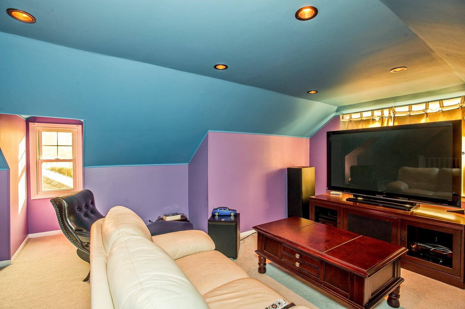Real Estate Photography - 556 Winnetka Ave, Winnetka, IL, 60093 - 3rd Floor