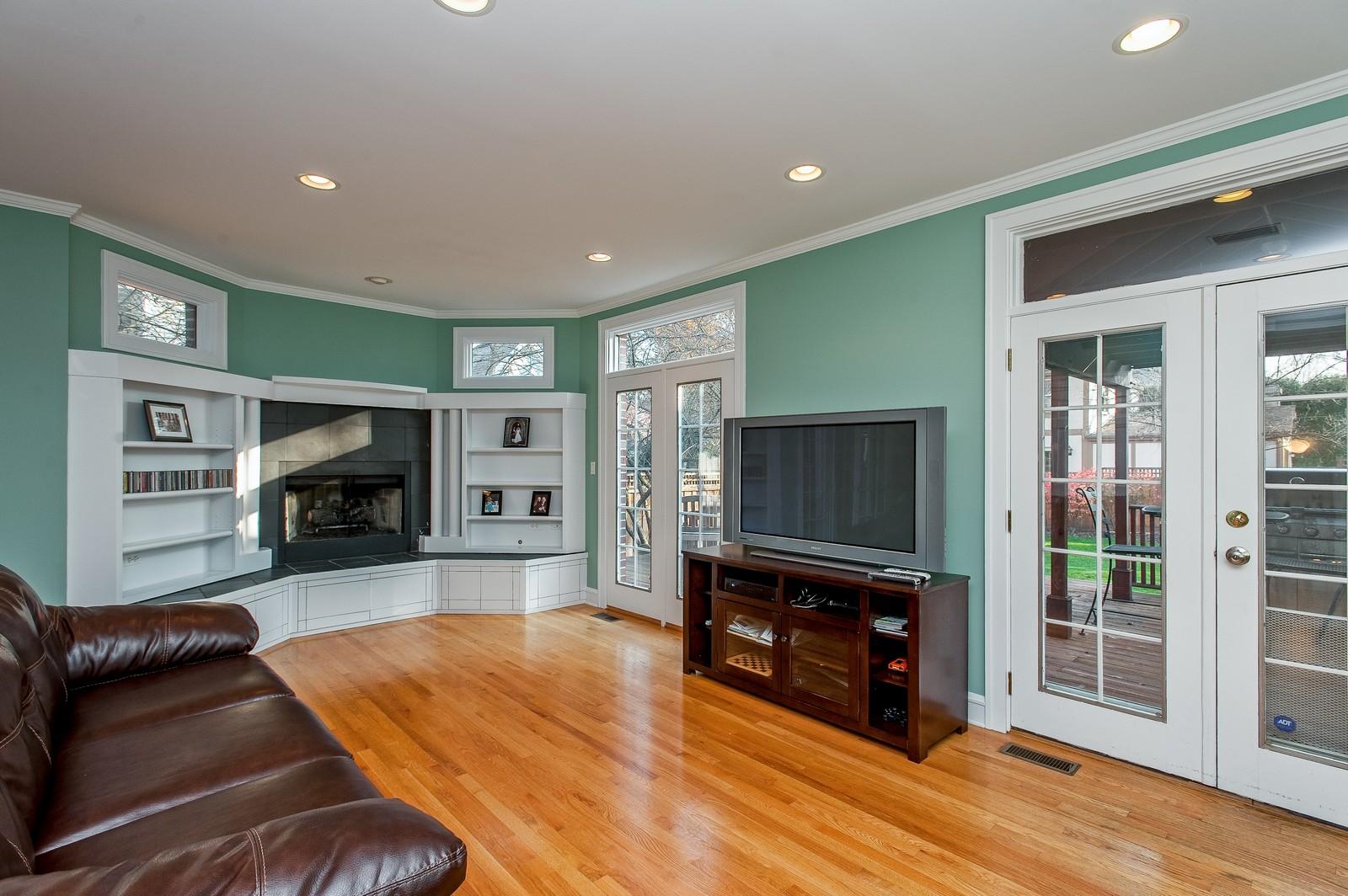 Real Estate Photography - 556 Winnetka Ave, Winnetka, IL, 60093 - Family Room