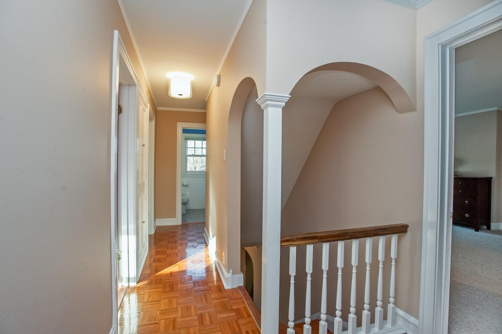 Real Estate Photography - 556 Winnetka Ave, Winnetka, IL, 60093 - Hallway