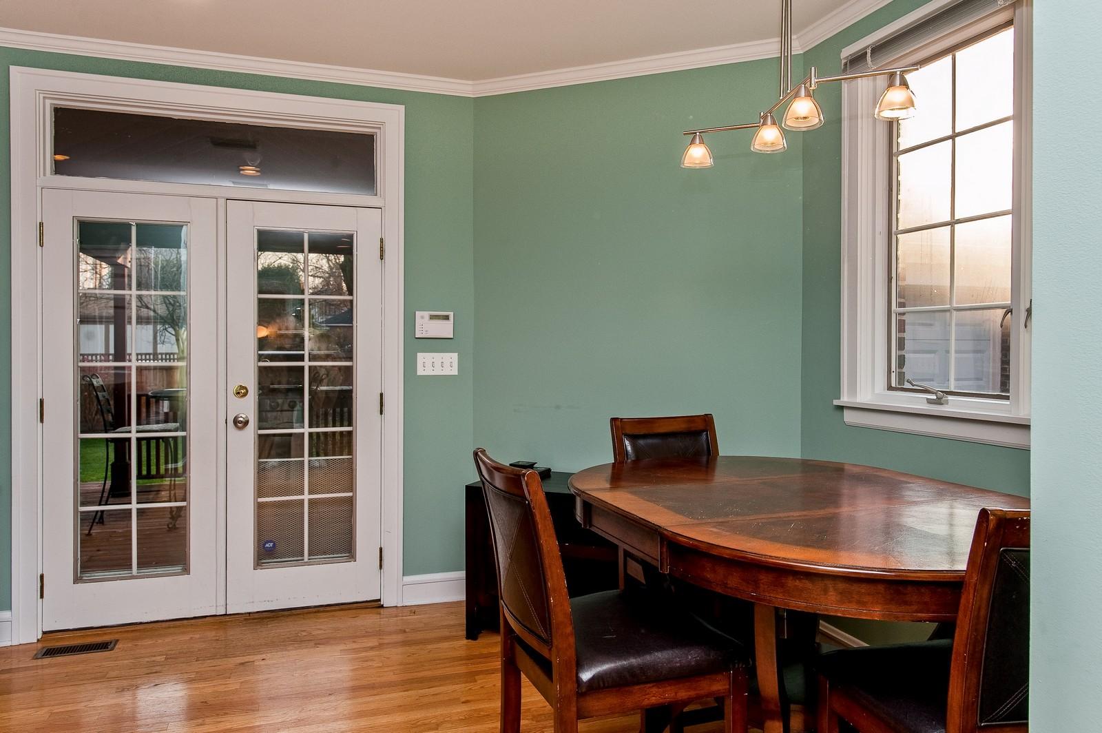 Real Estate Photography - 556 Winnetka Ave, Winnetka, IL, 60093 - Breakfast Nook