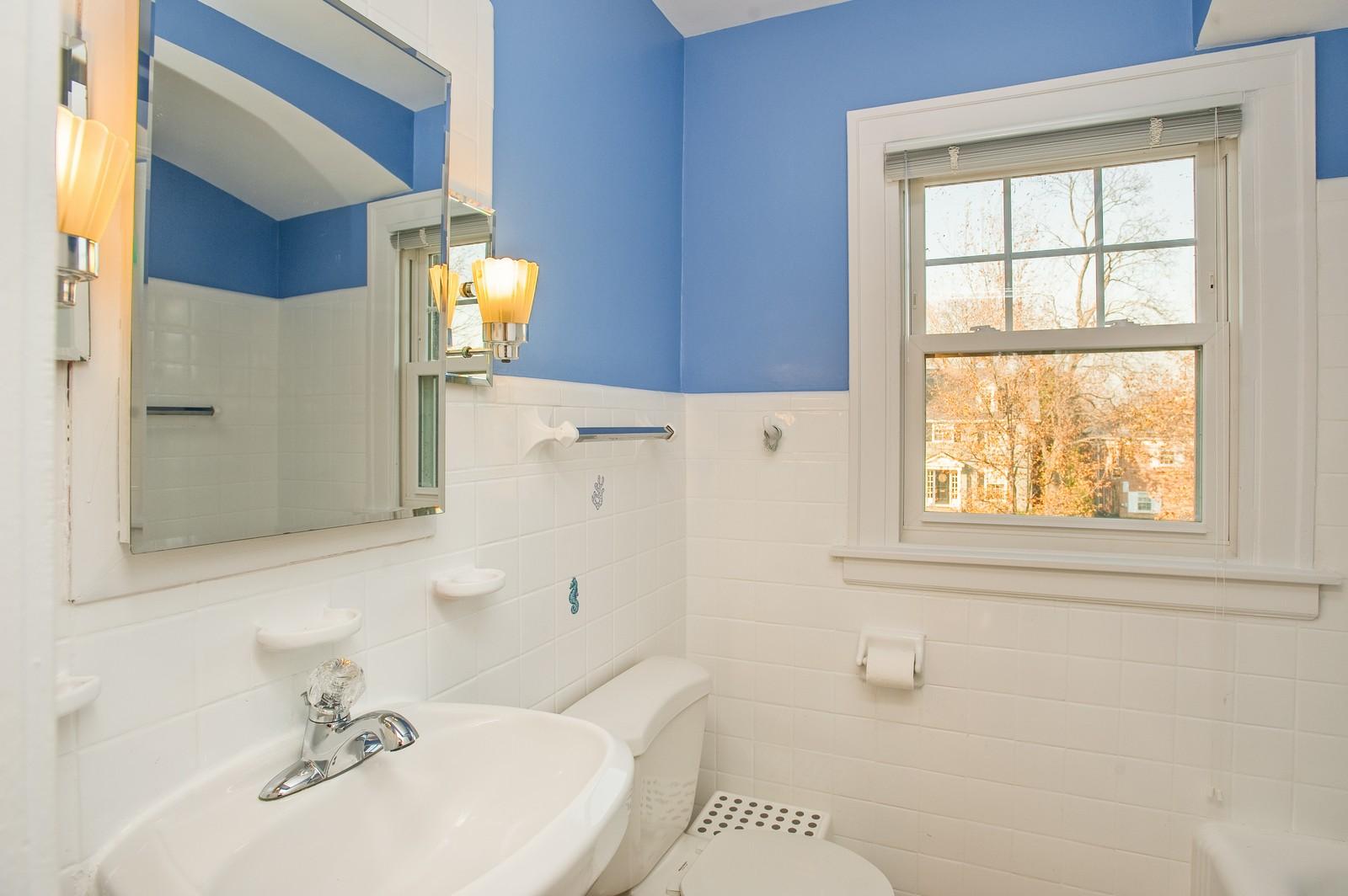 Real Estate Photography - 556 Winnetka Ave, Winnetka, IL, 60093 - 2nd Bathroom