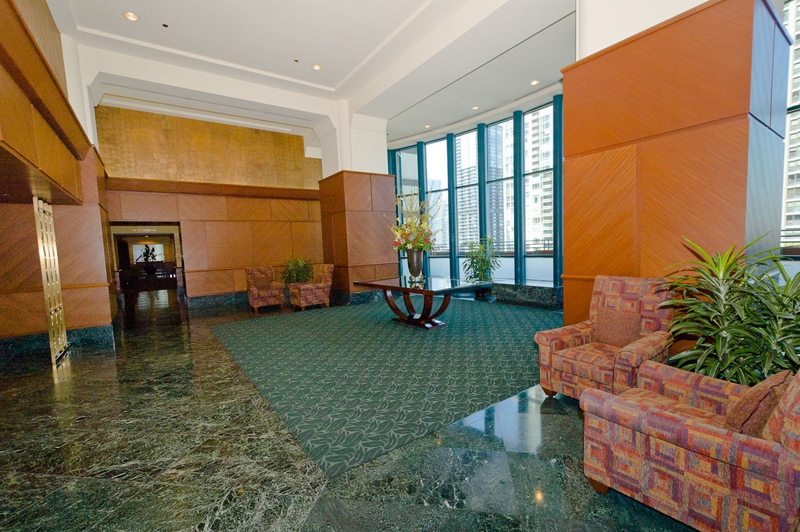 Real Estate Photography - 100 E Huron St, Apt 4201, Chicago, IL, 60611 - Lobby