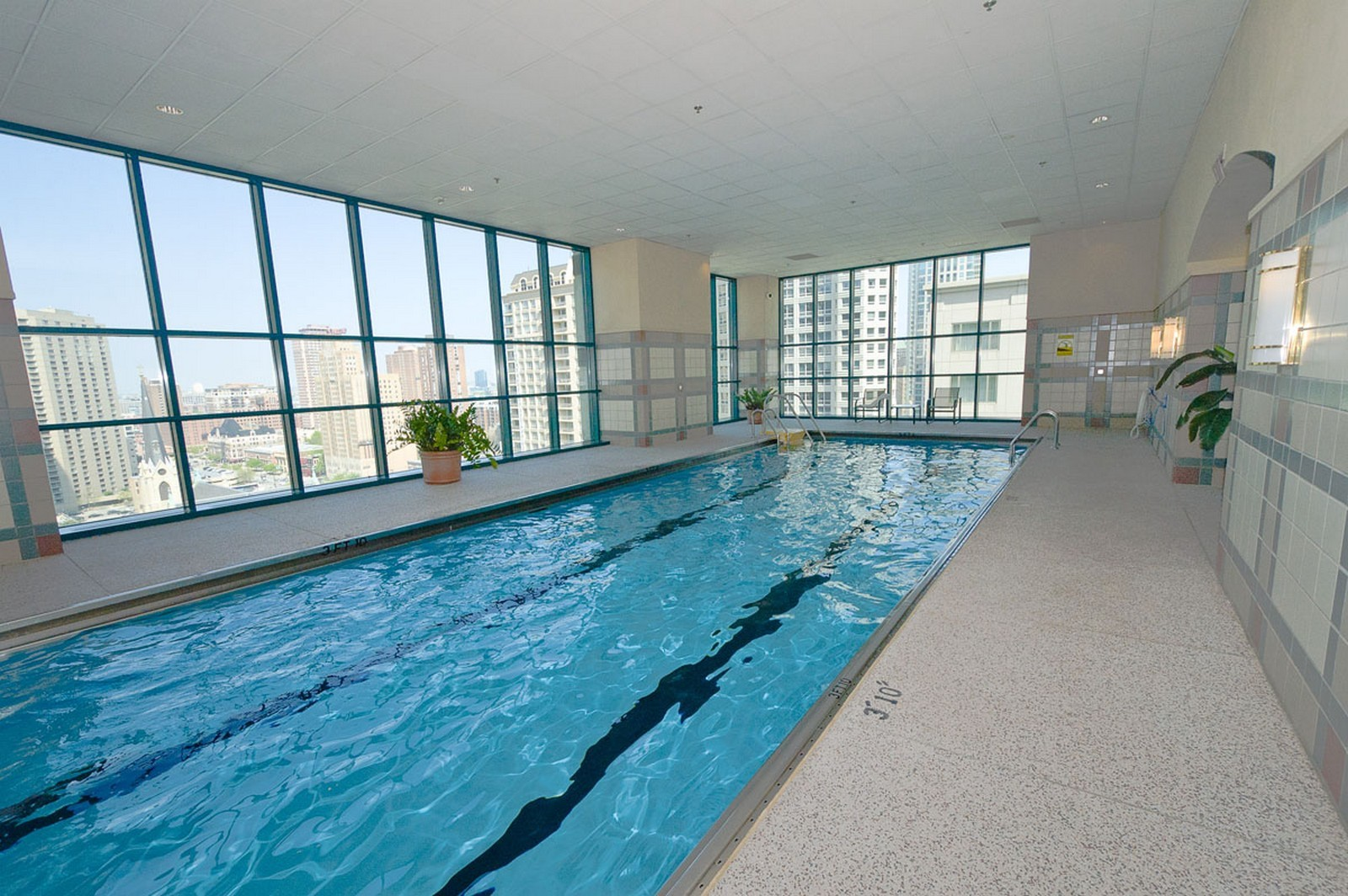 Real Estate Photography - 100 E Huron St, Apt 4201, Chicago, IL, 60611 - Indoor Pool