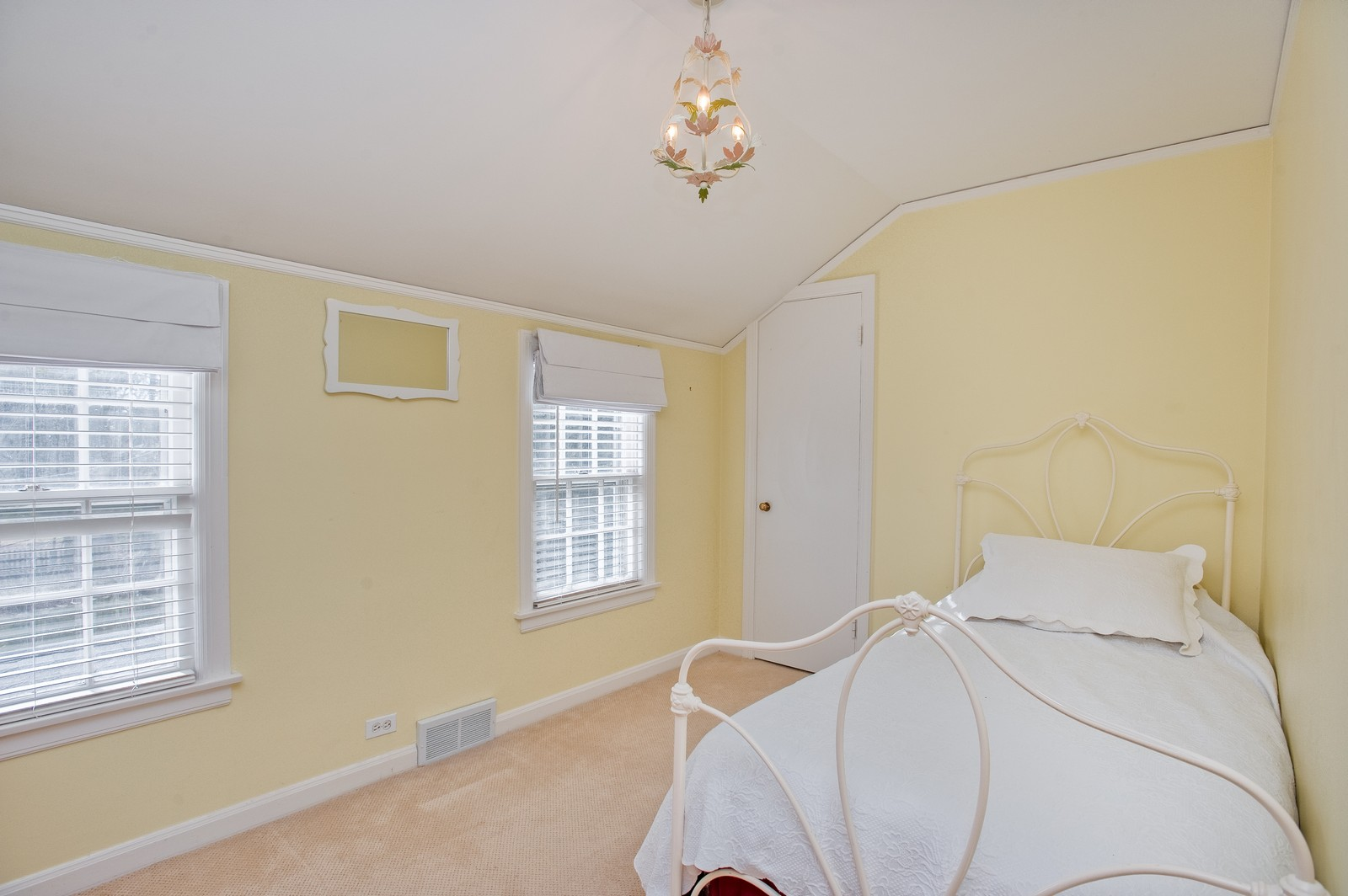 Real Estate Photography - 2515 Lake Ave, Wilmette, IL, 60091 - Bedroom 3