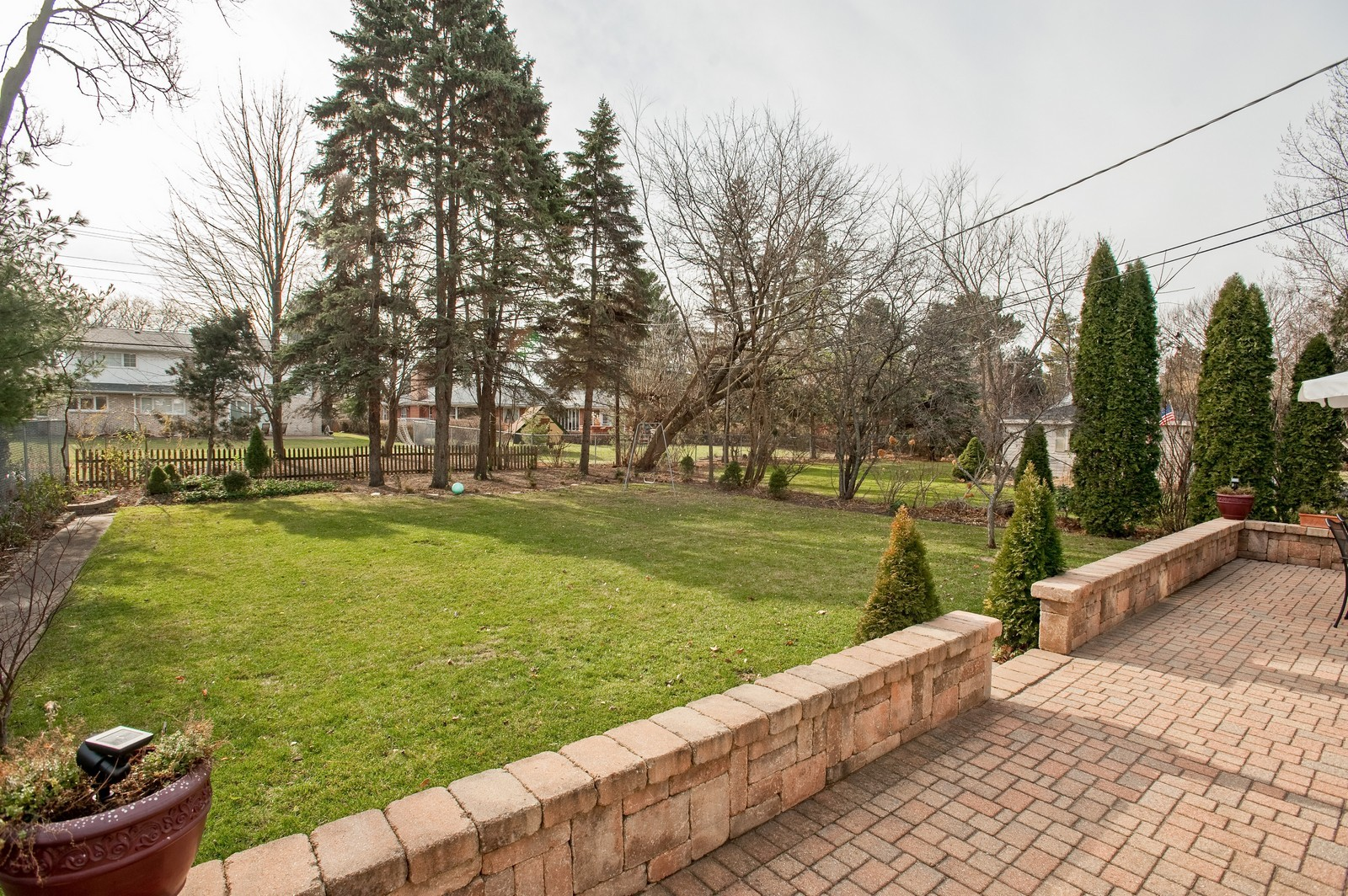 Real Estate Photography - 2515 Lake Ave, Wilmette, IL, 60091 - Rear Yard