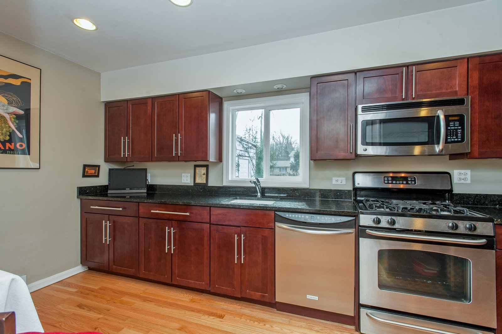 Real Estate Photography - 2515 Lake Ave, Wilmette, IL, 60091 - Kitchen