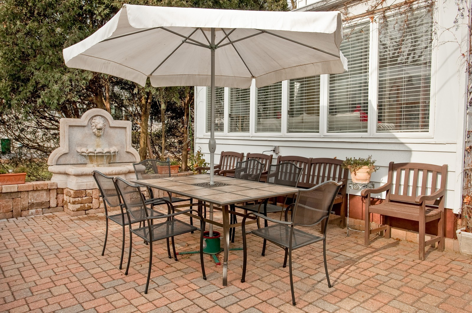 Real Estate Photography - 2515 Lake Ave, Wilmette, IL, 60091 - Patio