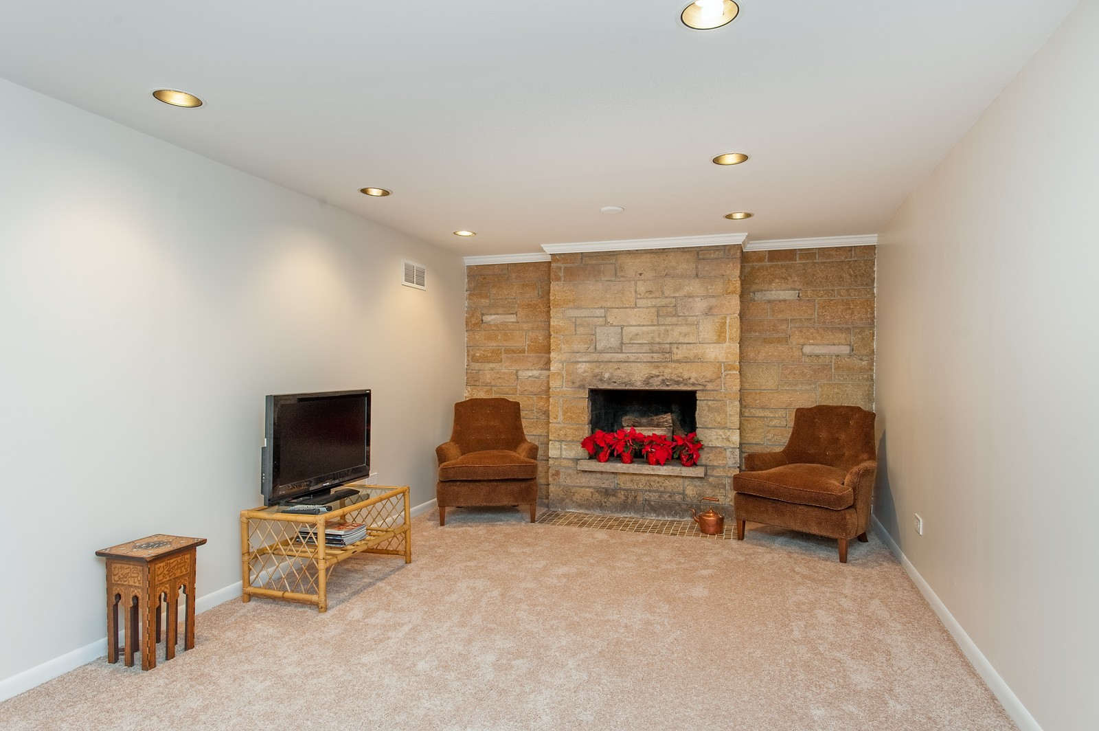 Real Estate Photography - 2515 Lake Ave, Wilmette, IL, 60091 - Rec Room