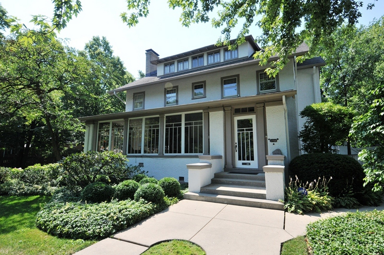 Real Estate Photography - 2700 Lincoln St, Evanston, IL, 60201 - Front View 2
