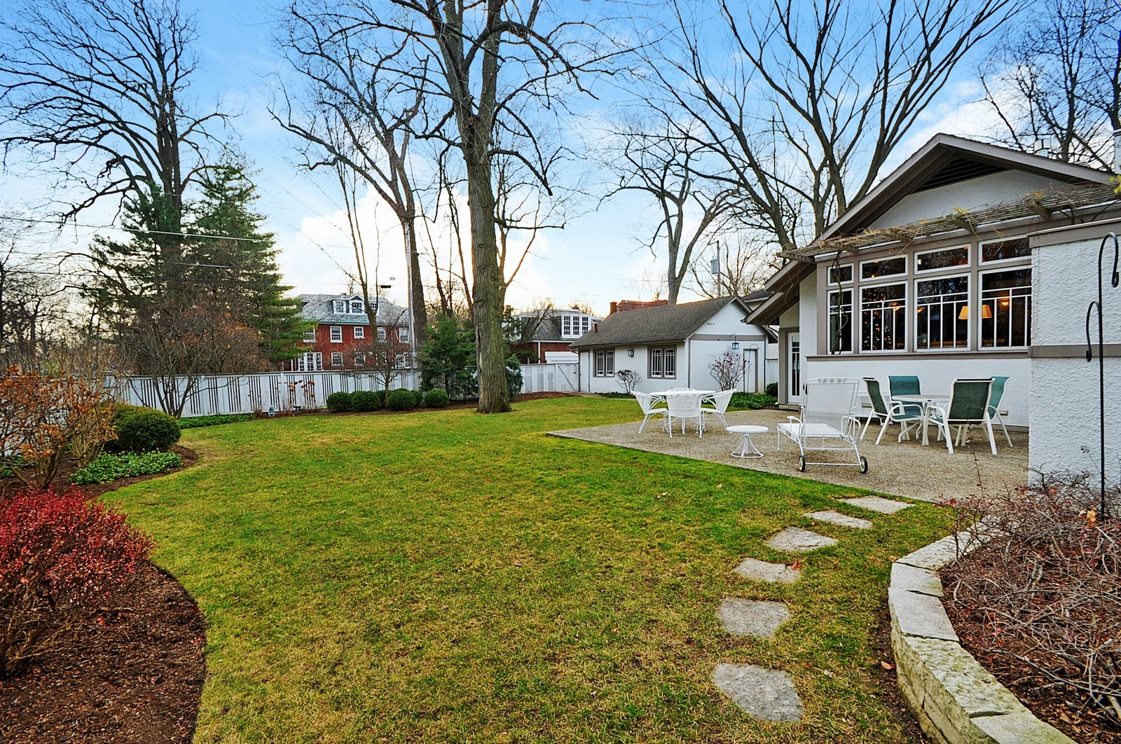 Real Estate Photography - 2700 Lincoln St, Evanston, IL, 60201 - Back Yard