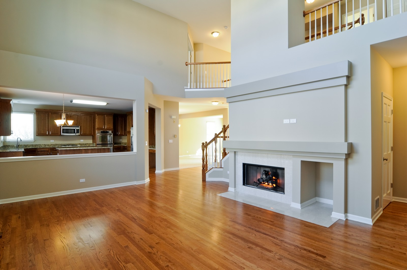 Real Estate Photography - 7394 Brentwood, Gurnee, IL, 60031 - Great Room