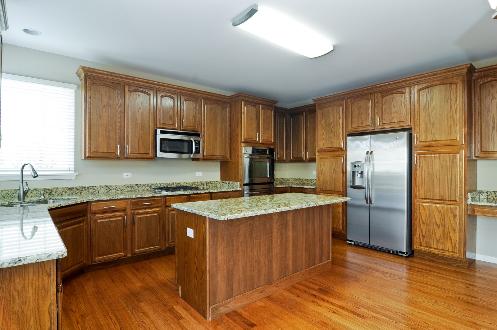 Real Estate Photography - 7394 Brentwood, Gurnee, IL, 60031 - Kitchen