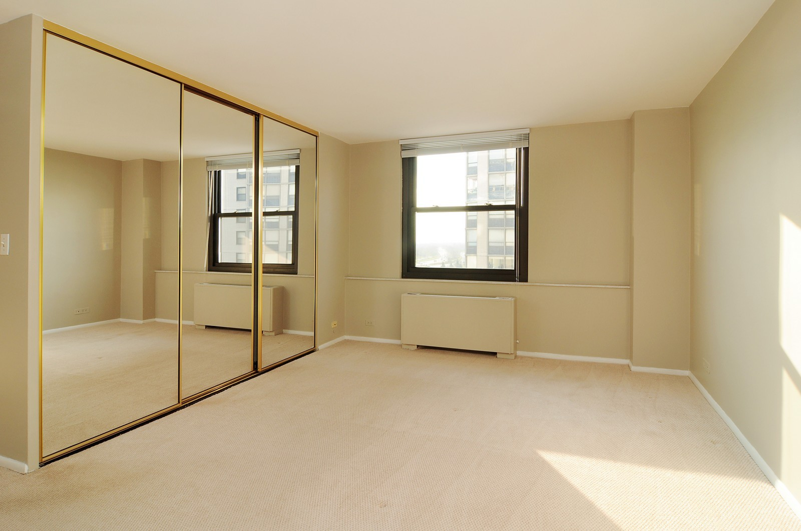 Real Estate Photography - 5701 N Sheridan, Unit 9J, Chicago, IL, 60660 - Master Bedroom