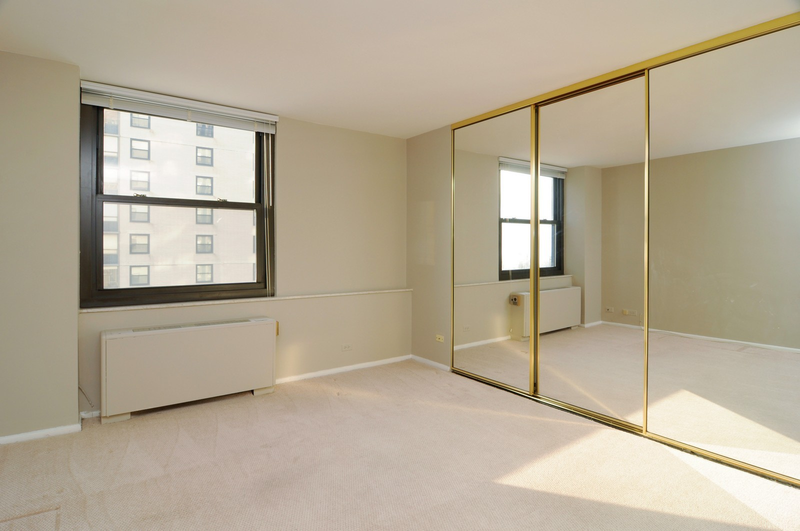 Real Estate Photography - 5701 N Sheridan, Unit 9J, Chicago, IL, 60660 - 2nd Bedroom