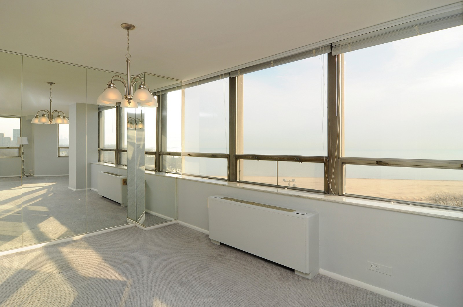 Real Estate Photography - 5701 N Sheridan, Unit 9J, Chicago, IL, 60660 - Dining Room