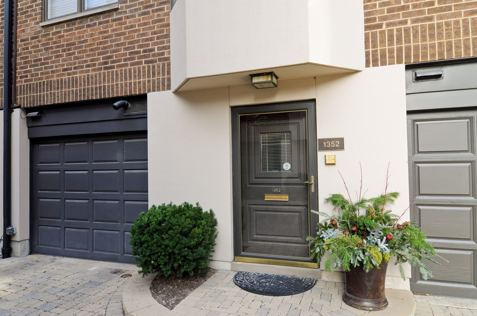 Real Estate Photography - 1352 N Sutton, Chicago, IL, 60610 - Front View
