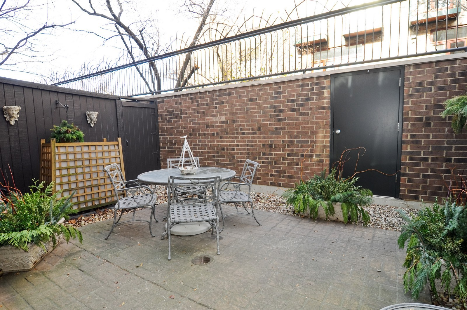 Real Estate Photography - 1352 N Sutton, Chicago, IL, 60610 - Patio