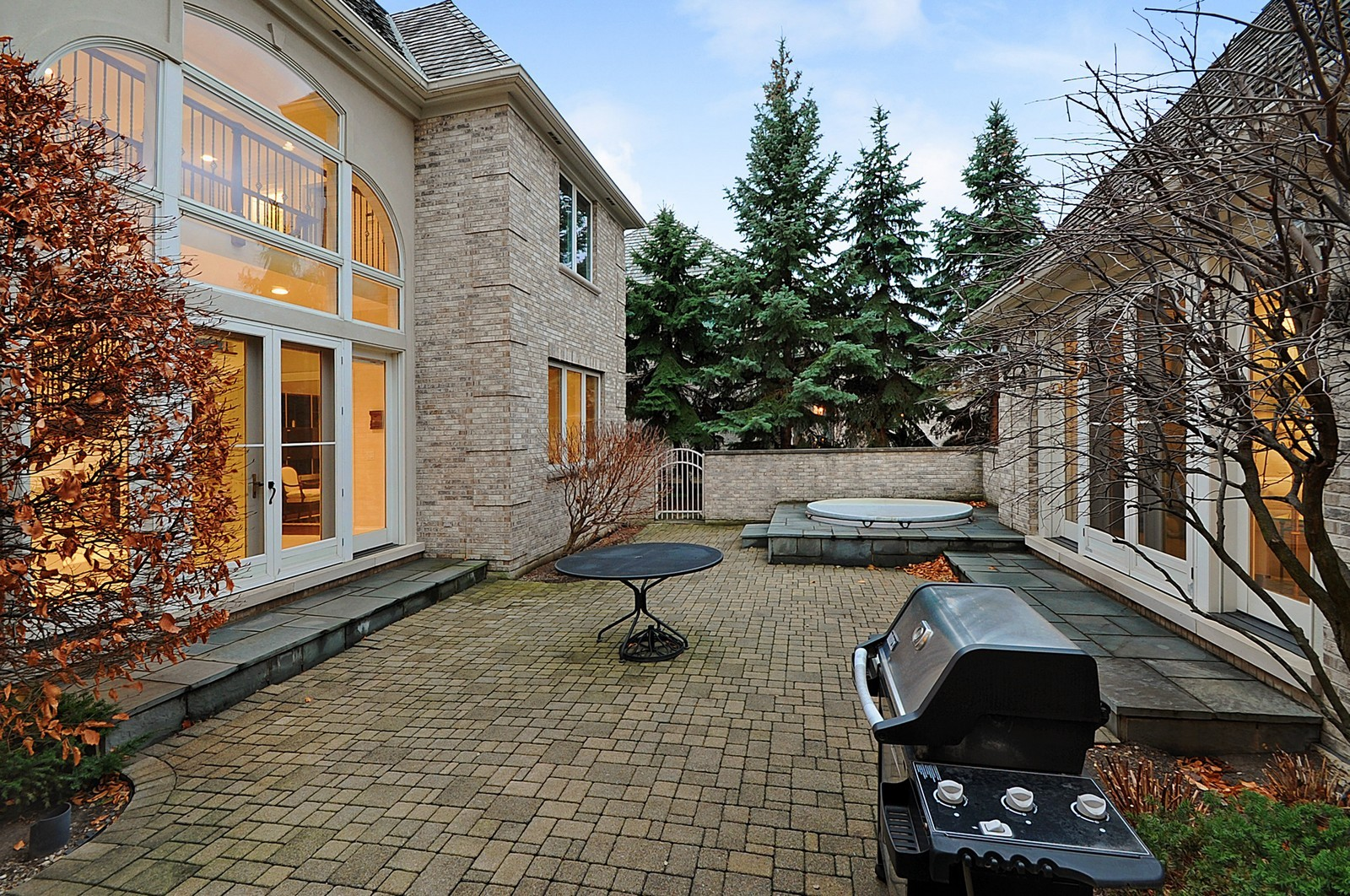 Real Estate Photography - 2516 Jasper Ct, Northbrook, IL, 60062 - Courtyard