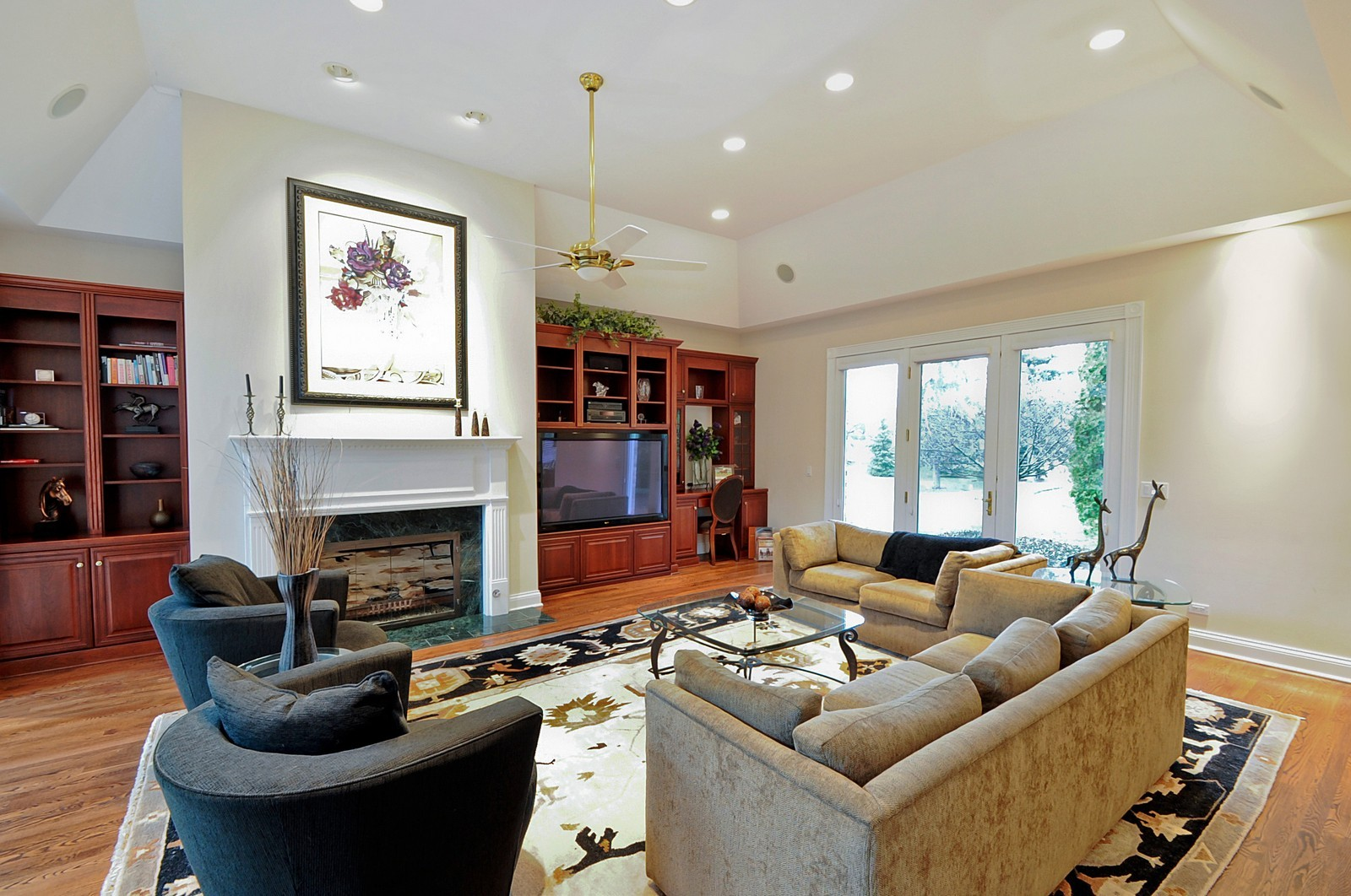 Real Estate Photography - 2516 Jasper Ct, Northbrook, IL, 60062 - Family Room
