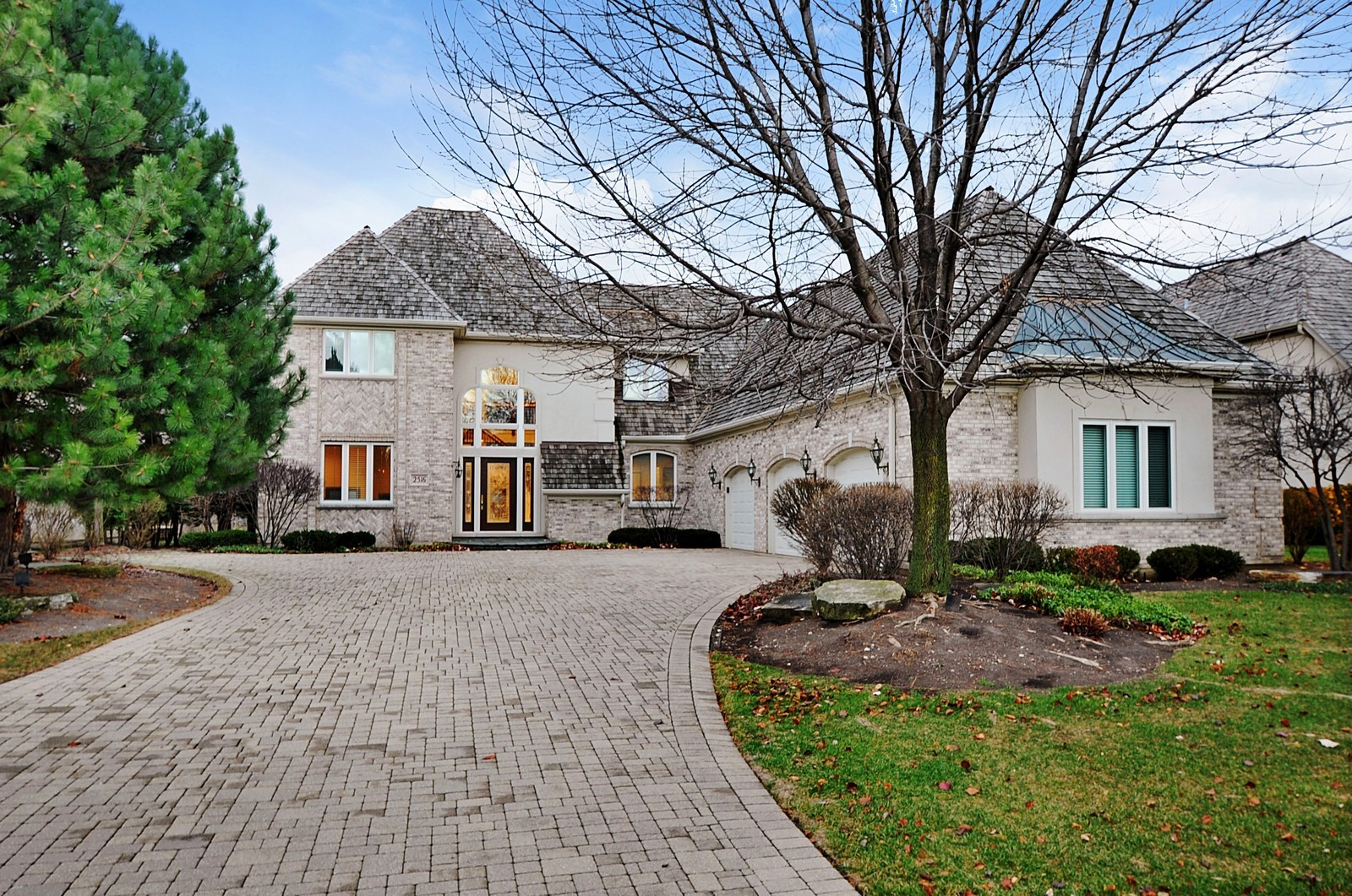 Real Estate Photography - 2516 Jasper Ct, Northbrook, IL, 60062 - Front View